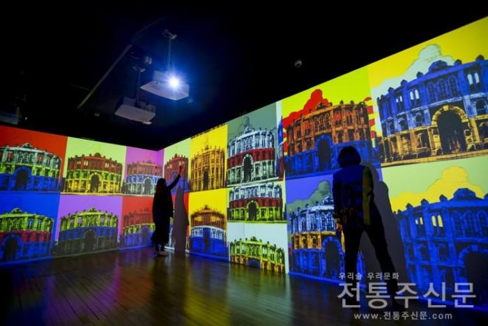 '무대 위 새로운 공간의 창조-무대디자인' 展, 8월 14일까지 기간 연장.jpg
